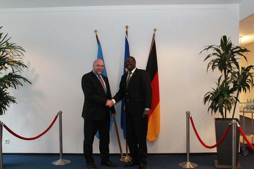 Burkina Faso Landwirtschaftsminister Mahama Zoungrana und Afrikabeauftragter Günter Nooke